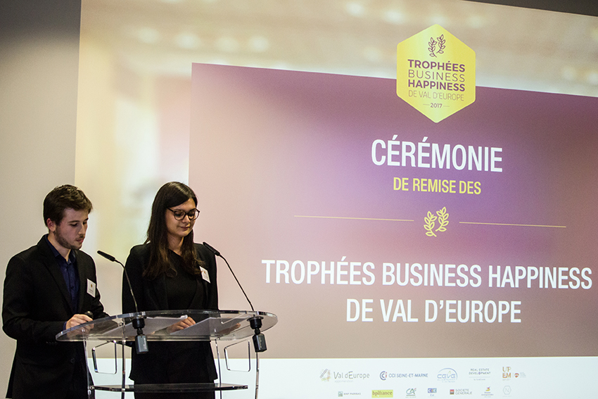 remise des troph es business happiness de val d europe. Black Bedroom Furniture Sets. Home Design Ideas