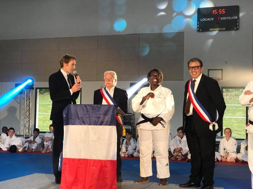 Inauguration du gymnase Émilie Andéol à Magny le Hongre