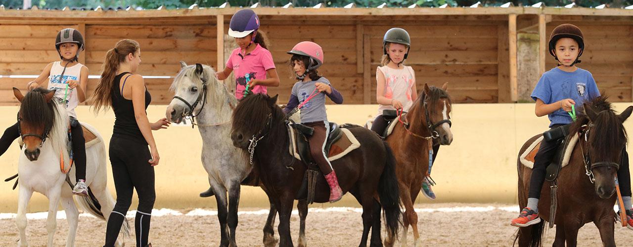 Stage d'équitation-Initiation COMPLET