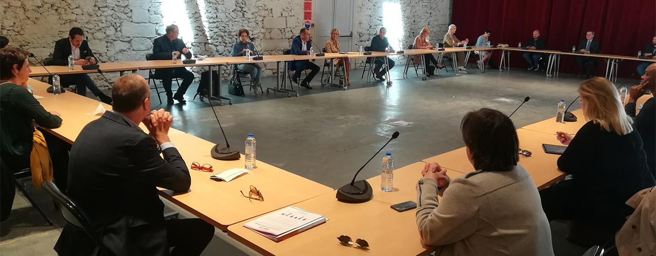 Patricia Lemoine et les élus de Val d'Europe agglomération à l'écoute des acteurs économiques du territoire